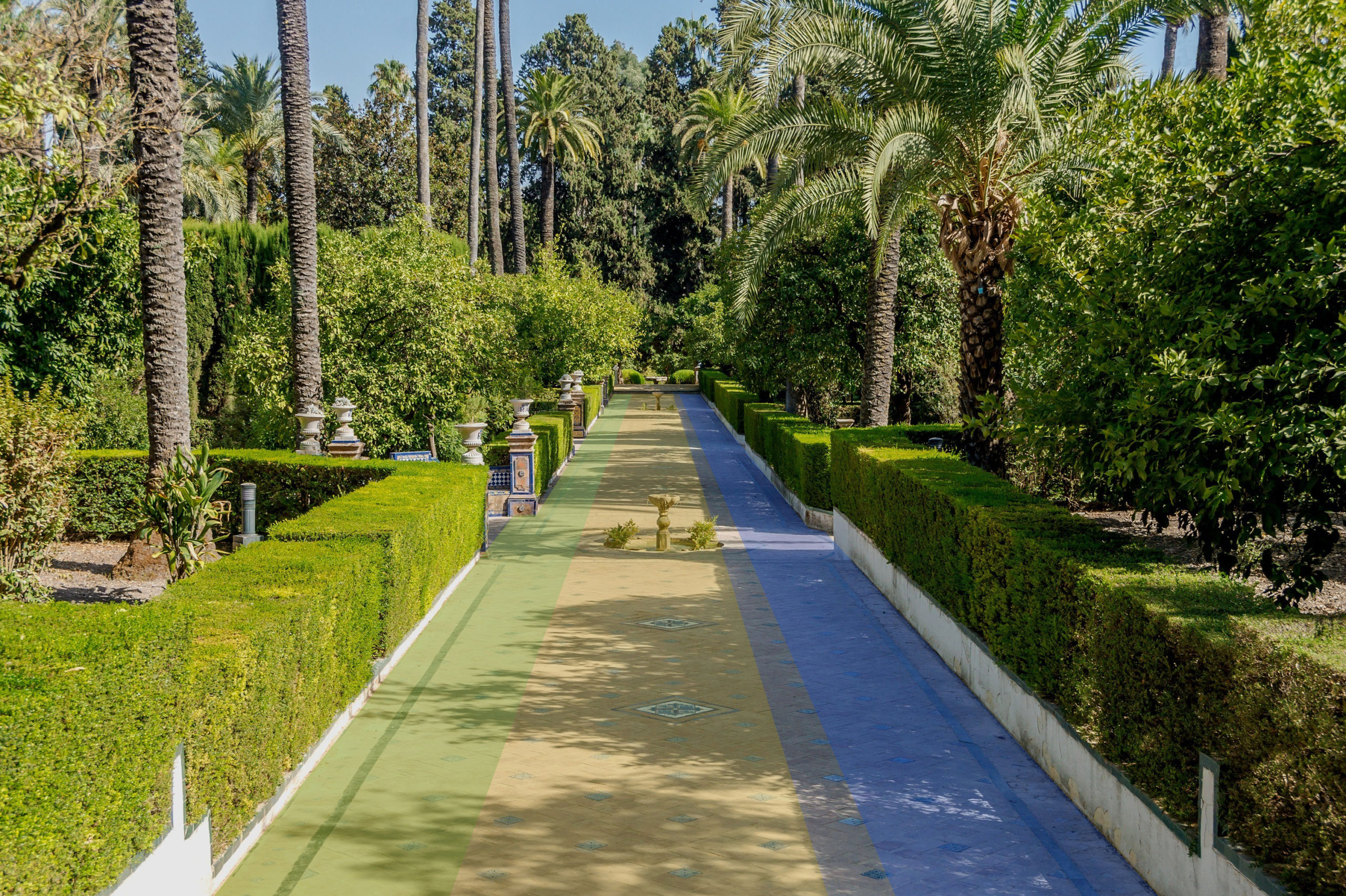 garden with path with ambient and reflected light influences marked