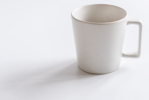 mug showing shadows are hard going to soft edged