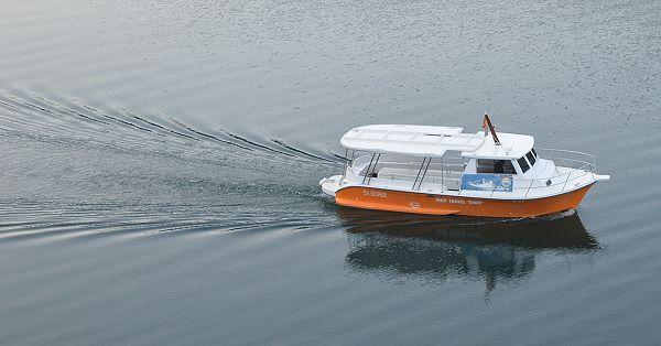 wake of boat indicated movement