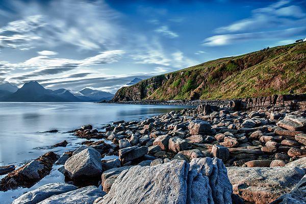 Irregular pattern of rocks in nature